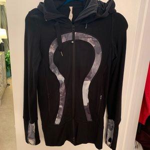 lululemon athletica Jackets & Coats - Lululemon Jacket sz 4